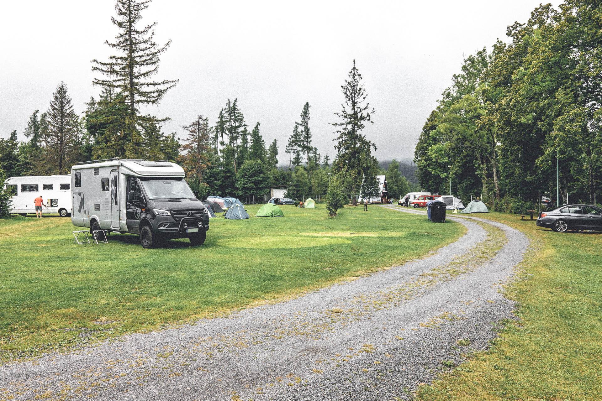 Mein Hymer ML-T ganz verloren auf dem Campingplatz