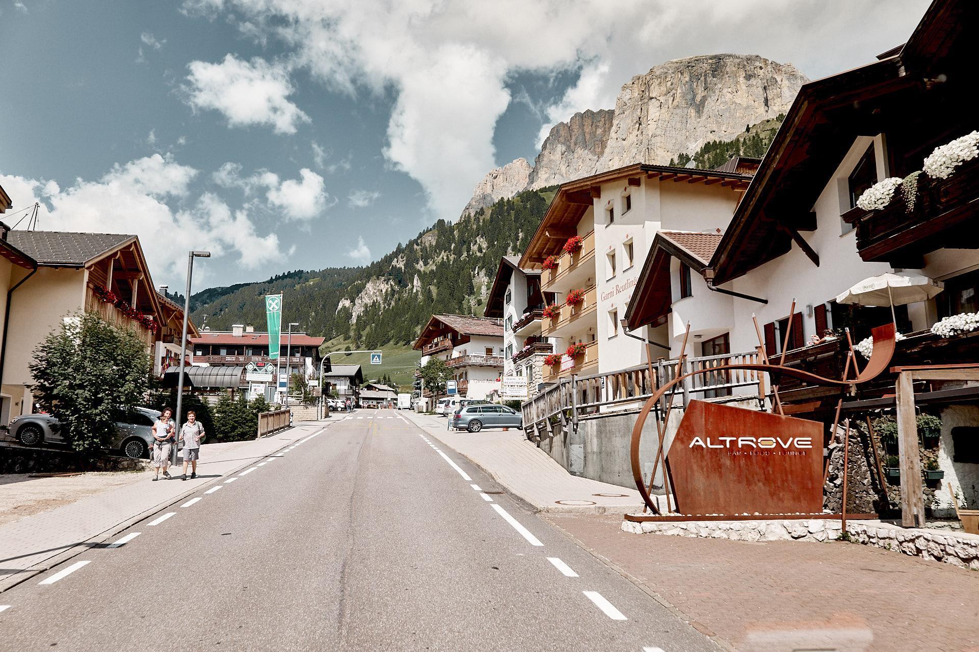 Alpendorf in den Dolomiten