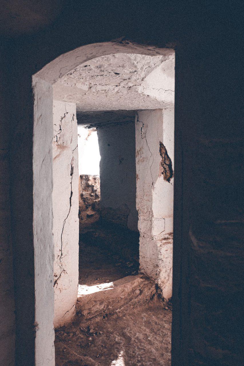 Eingang einer Hölenwohnung