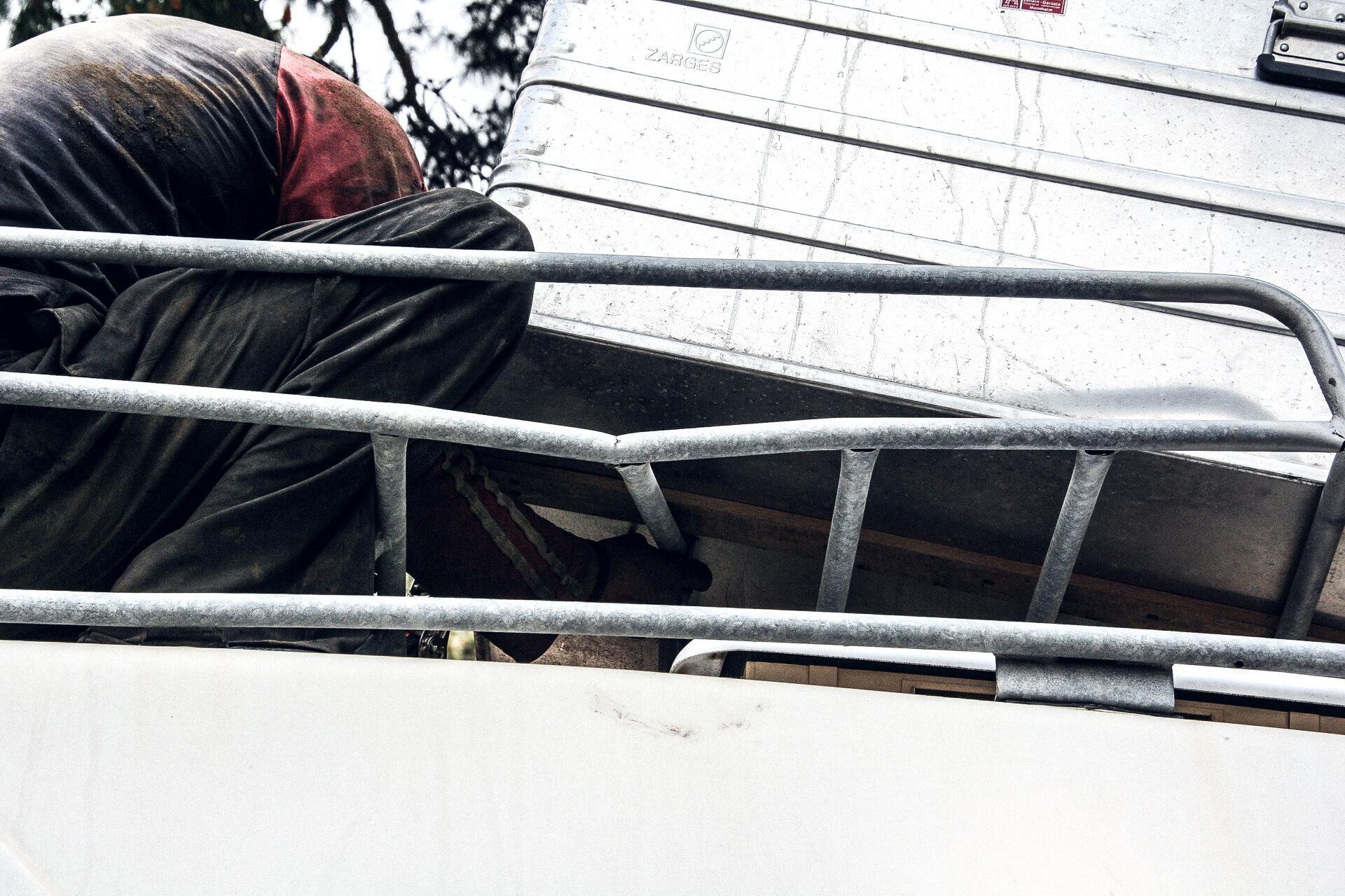 Gebrochener Dachgepäckträger auf Sveni