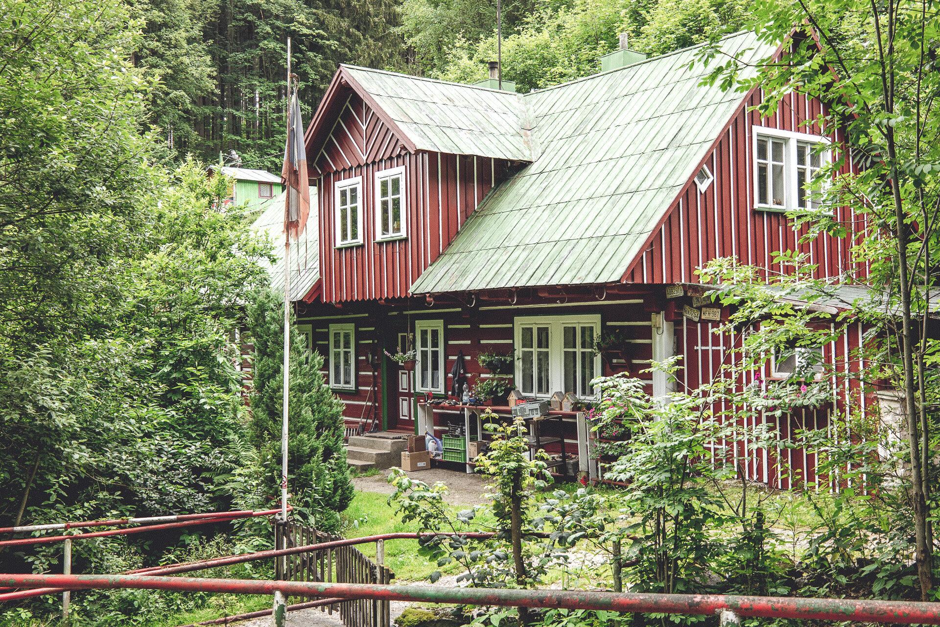 Wohnhaus im Tal